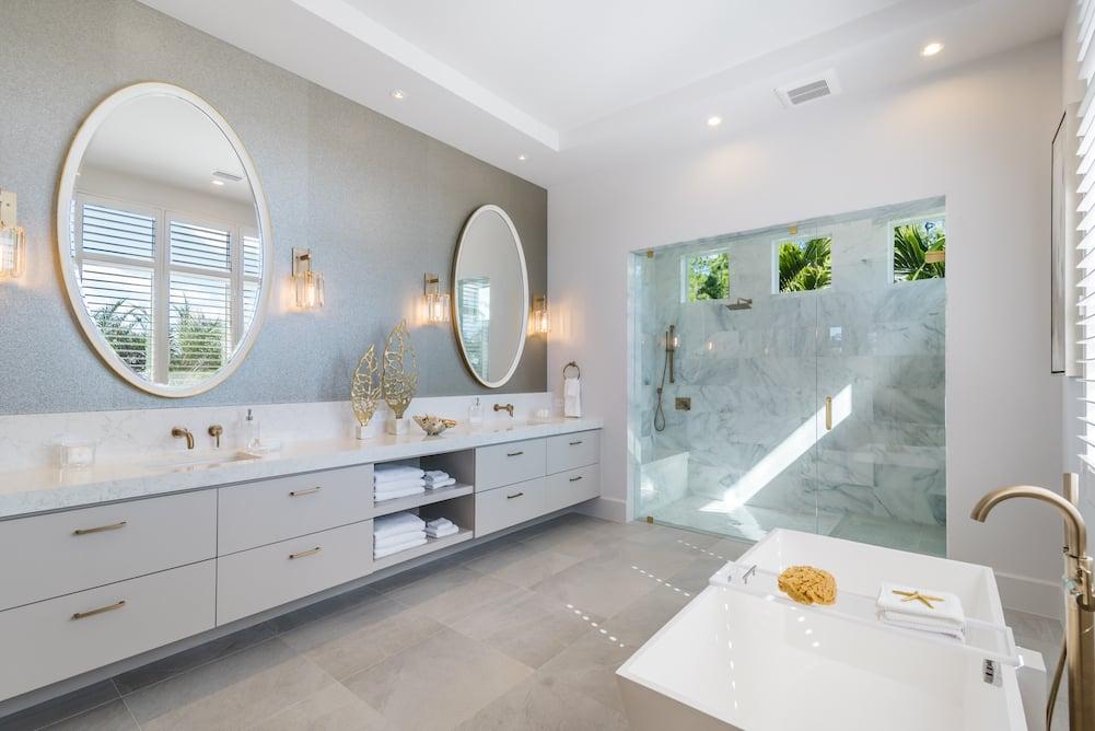 Natural Light Master Bath